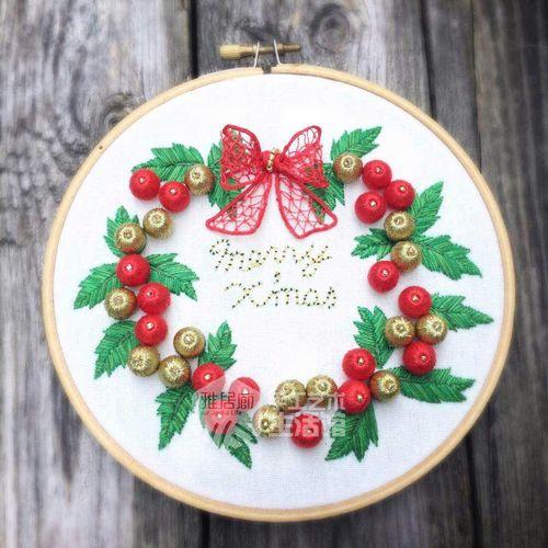 产品简介 名称:圣诞·冬青花环 种类:立体刺绣 材料:dmc art.